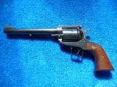 Revolver Ruger, New Model Super Blackhawk, 44 Magnum - Zamluveno